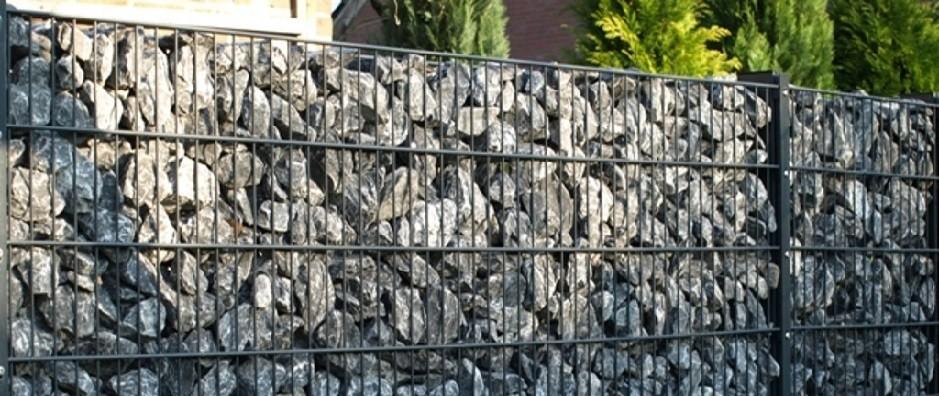 Hochwertige Steinzäune für Ihren Gartensichtschutz